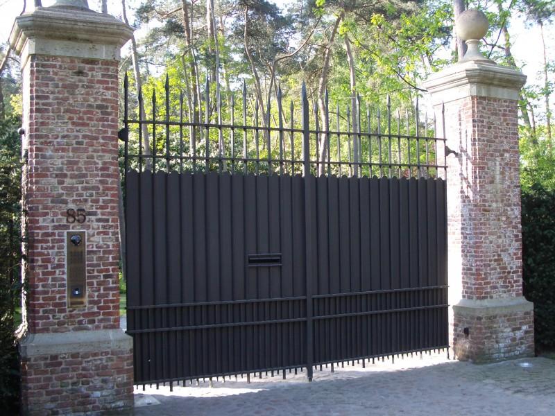 Smeedijzeren poort (H44)