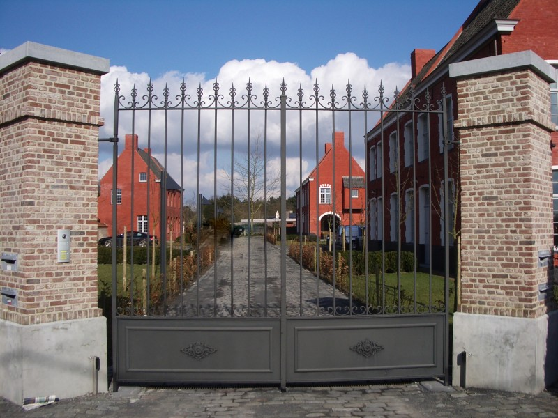 Smeedijzeren poort (H68)