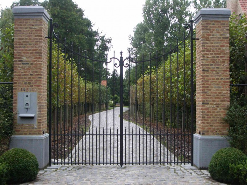 Smeedijzeren poort (H69)