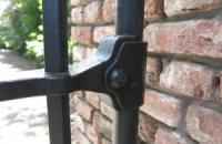 Smeedijzeren poort (H81)