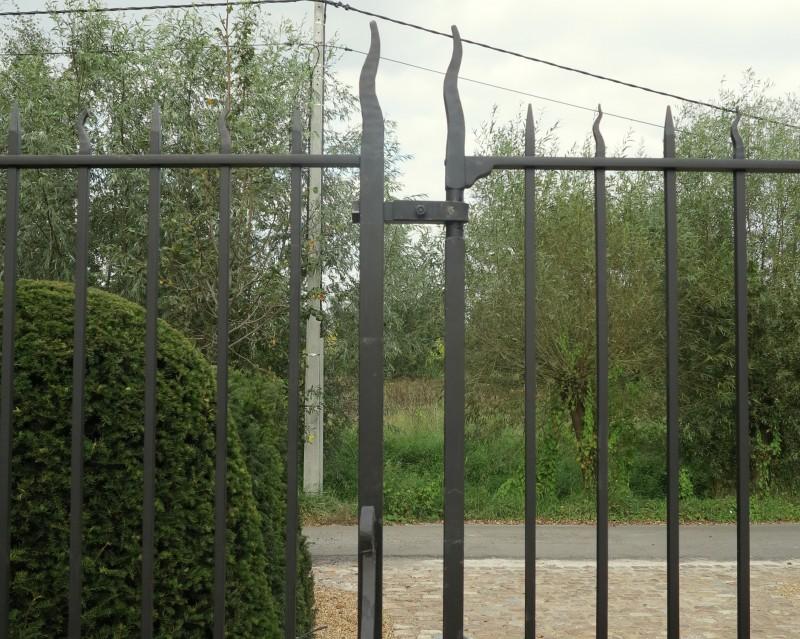 Smeedijzeren poort (H12)