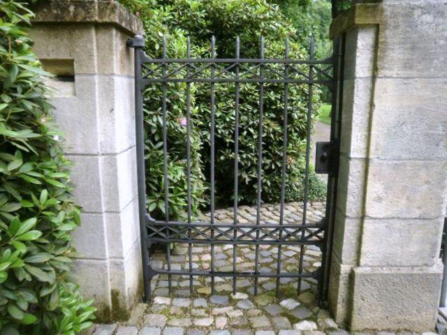 Smeedijzeren poort (H18)